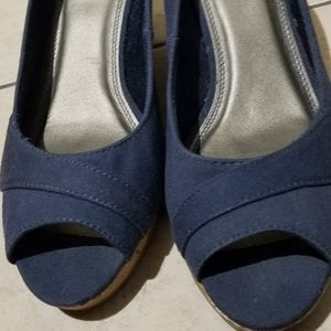Lifestride blue wedges size 9